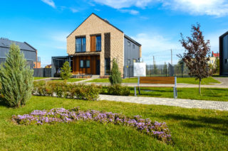 До150 тысяч рублей вмесяц: сколько стоит содержание дома вкоттеджном поселке
